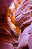 羚羊亚利桑那峡谷更低的页紫色墙壁 库存照片