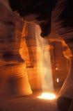 羚羊峡谷槽光束较大 库存照片