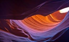 羚羊峡谷色的岩石 库存图片