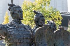 羡,中国- 2014年10月25日:战士雕象秒的坟茔的 库存照片