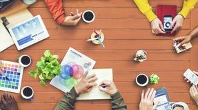 群策群力当代概念的不同种族的设计师 免版税库存图片