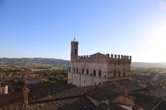 翁布里亚Palazzo dei的Consoli中世纪镇古比奥 库存照片