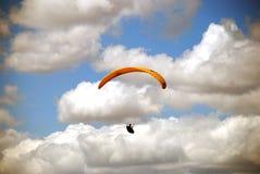 滑翔伞享用 免版税库存图片