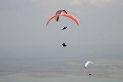 滑翔伞竞争在印度尼西亚 免版税库存图片