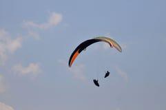 滑翔伞竞争在印度尼西亚 库存图片