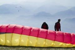 滑翔机为起飞做准备 免版税库存照片