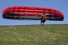 滑翔机为起飞做准备 免版税库存图片