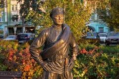 翼果,俄罗斯- 2016年10月12日:同志Sukhov的雕塑 图库摄影