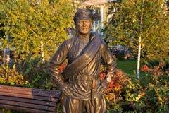 翼果,俄罗斯- 2016年10月12日:同志Sukhov的雕塑 库存照片