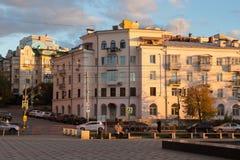 翼果,俄罗斯- 2016年10月12日:在翼果前Kuybyshev的历史的部分的日落 库存图片