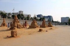 翼果,俄罗斯- 2014年8月15日:形状由沙子制成 免版税库存照片