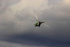 翼果,俄罗斯- 2016年9月11日 军用直升机MI-8 ta 免版税库存照片