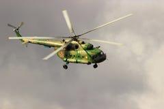 翼果,俄罗斯- 2016年9月11日 MI-8直升机  库存图片