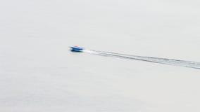 翼果直升机场8 :通过空隙 免版税库存照片