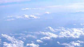 翼飞机和云彩在天空 慢的行动 3840x2160 股票录像