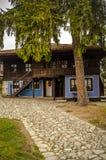老Тraditional保加利亚房子在Koprivshtica,保加利亚 免版税库存照片