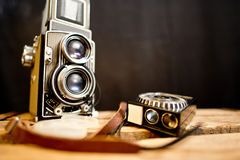 老与照度计的双透镜反光照相机 免版税库存照片