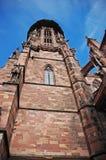 老中世纪Freiburger大教堂塔视图,亚丁乌特姆博格,德国 库存照片