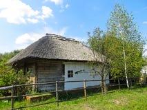 老乌克兰传统房子 免版税图库摄影