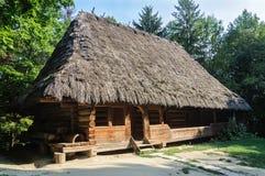 老乌克兰地道木房子 库存图片