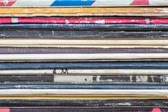 老乙烯基LP纪录堆特写镜头  免版税库存照片