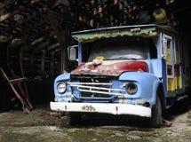 老五颜六色的公共汽车 库存图片