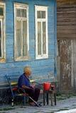 老人在苏利纳,罗马尼亚 库存图片