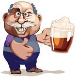 老人用啤酒 免版税库存图片