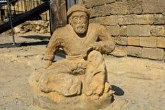 老人雕象,巴库,阿塞拜疆 免版税库存图片