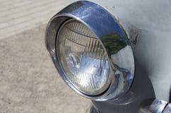 老伏尔加河汽车车灯  免版税库存图片