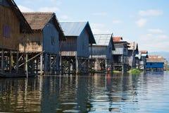 老传统缅甸房子在Inle湖的一个渔村 缅甸 免版税库存图片
