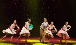 老伯母现代舞蹈 免版税库存图片