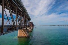 老佛罗里达群岛高速公路桥梁 免版税库存照片