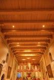 老使命圣诞老人Ines Solvang加利福尼亚大教堂法坛十字架A 免版税库存照片