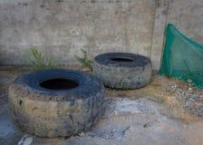 老使用的卡车轮胎 免版税库存图片