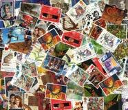 老使用的英国邮票背景  免版税库存照片