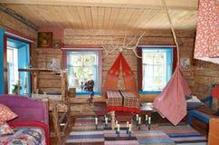 老俄国农民的房子 库存照片