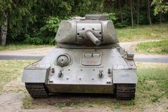 老俄国坦克在一个室外博物馆 武装的军事力量 免版税库存照片