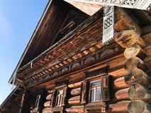 老俄国木房子装饰的门面  库存图片