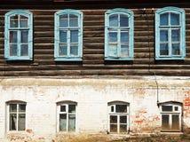 老俄国都市木房子墙壁  图库摄影