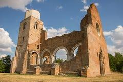 老修道院AraÄ  a废墟在Novi BeÄ  ej附近的 免版税图库摄影