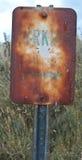 老停车生锈的符号 库存照片