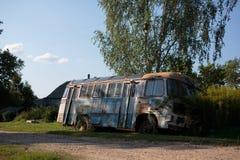 老公共汽车 免版税图库摄影