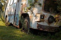 老公共汽车 免版税库存照片