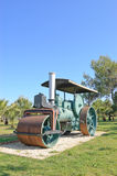 老关闭的压路机蒸汽 免版税库存图片