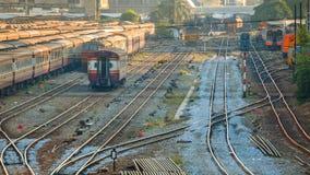 老内燃机车和火车在曼谷 图库摄影
