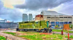 老内燃机车在圆形机车库公园,多伦多 免版税图库摄影