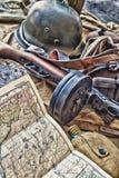 老军用枪和设备。 免版税库存图片