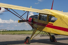 老农业航空器 细节和驾驶舱 库存图片