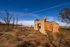 老农舍废墟  库存图片